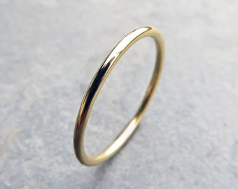 18k Wedding Band in Smooth, Hammered, or Brushed/ Matte/ Satin Finish Gold - Full Round Wedding Ring, Halo Ring, 18k Yellow Gold Stack Ring