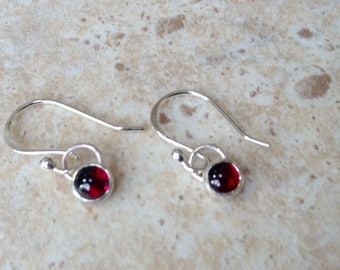 Last pair! Silver droplet earrings with cabochon cut Garnet gemstone set into sterling silver