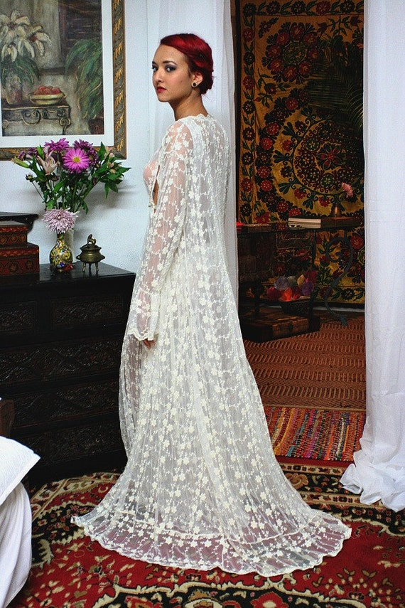 Embroidered French Lace Bridal Robe Sarafina Dreams 20\'s