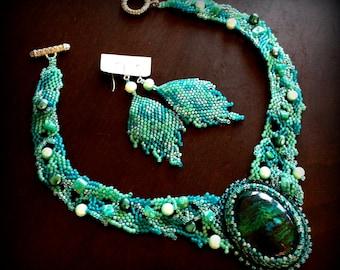 Beaded free form jewelry set with chrysocolla, malachite, pearls and amazonite - Artisan jewellery