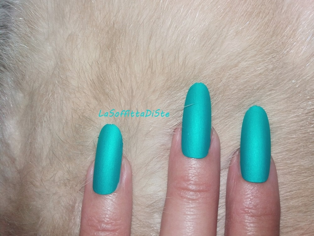 matte turquoise long oval nails almond blue green nail polish