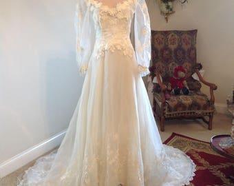 Gorgeous True Vintage Wedding Dress Gown