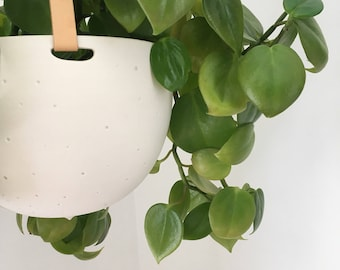 Plant Hanger | Hanging Planter in Ceramic and Recycled Leather