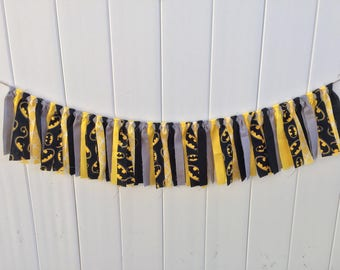 Batman fabric banner, scrappy banner, photo prop, batman party, batman birthday, fabric banner, highchair banner, fabric garland, batman