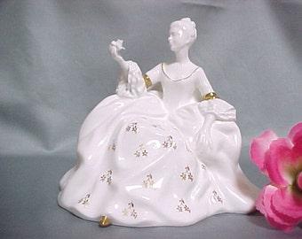 Royal Doulton Figurine de Antoinette HN 2326 retraité, jolies dames série, décoration Vintage, Figurine de collection en porcelaine, Art anglais