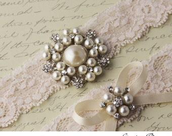 Lace Wedding garter set, Ivory Lace Bridal Garter set, Ivory Garter Set, Pearl Garter, Monogrammed Garters