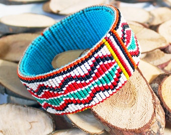 Beautiful Vintage Seed Beaded Bohemian Bangle Bracelet