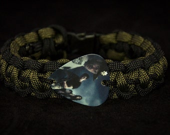 Black and Olive Green Paracord Bracelet with Walking Dead guitar pick: Group