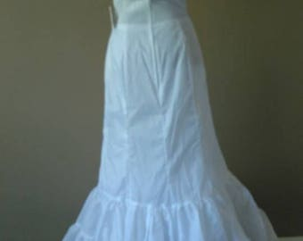 10 / Long White Vintage Petticoat Size 10 / Never Worn
