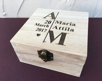 Personalised Engraved Couples Initials & Date Wooden Box - Wedding GIFT
