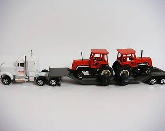 Deutz Allis Toy Tractor Hauler Truck with 2 Tractors Ertl Die Cast Allis Tractors Truck Equipment Hauling Set 8070