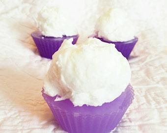 Cupcake soap. Goats milk. Decor soap. Dessert soap. Home made soap. Bridal shower soap. Gifts. Kids soap.