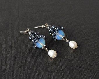 Moonstone and pearls earrings