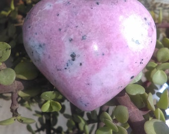 Rodhonite stone heart carved