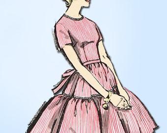 1960s Vintage Advance Sewing Pattern 2845 Uncut Girls Party Dress Size 13 33 B
