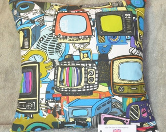 "Vintage Televisions & Technology Cushion Cover 17""x17"" 43cm sq 100% Cotton Blue, Green, Red, Pink, Black, Yellow"