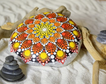Mandala in hand painted stone, mandalas meditation, decoration, lotus flower, pointillism, art, painted stone, relax, color therapy