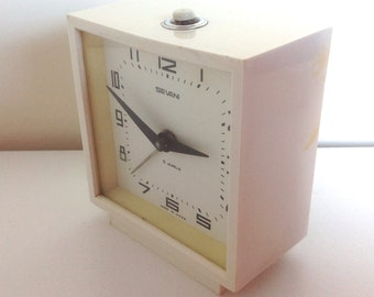 Soviet alarm clock / vintage alarm clock / mechanical alarm clock