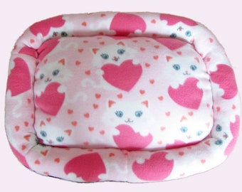 Small, White Cats, Dog bed, Washable pet bed, Cat bed, oval pet bed, Puppy bedding, Kitten bed, Kennel bedding, Plush Fleece pet bed