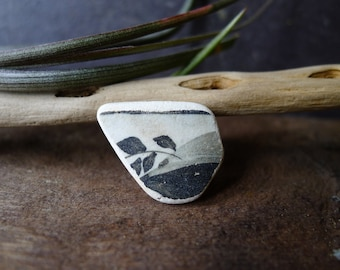Black and White Smooth Leaf Pottery Fragment  / Scottish Sea Pottery / Scottish Beach