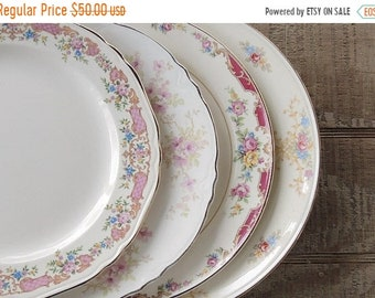 ON SALE Vintage Mismatched Dinner Plates Set of 4 Lunch Plates Tea Party Farmhouse China Wedding Bridal Replacement China Ca 1940s