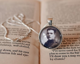 Ernest Hemingway Silver Pendant Necklace -  Hemingway Gift, Hemingway Pendant, Gift For Reader, Bibliophile, Book Lover, Author Jewellery