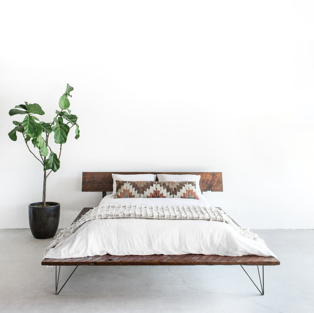 Recuperado marco de cama de plataforma madera