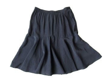 black flounce skirt, gathered flared skirt, minimalist style, elastic waist, knee length, vintage 80s 90s, womens 16 large