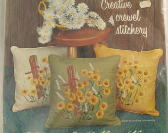 Paragon Creative Crewel Stitchery Daisies Pillow Kit by Carol & Don Henning 0640