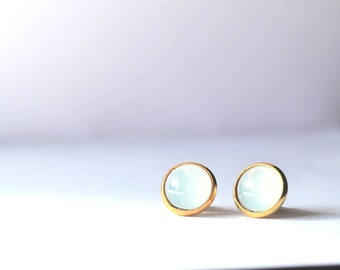 Gold Opal Stud Earrings/Opal Glass Earrings Gold/White Opal Glass Earrings/Vintage Opal Glass Studs/Host Gift/Vintage White Earrings