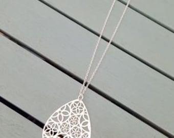 Large teardrop necklace