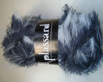 Ball of yarn imitation fur Brio from Plassard - needles 6/7 - grey color