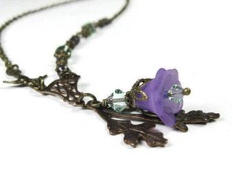Collier avec pendentif Style Vintage, bijoux Floral, collier de fleurs, en laiton Vintaj, lilas et vert cristal de Swarovski, idées cadeaux pour les jardiniers