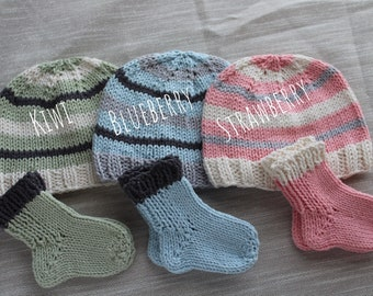 Cotton Knit Baby Hat and Sock Set sized 0-3 months