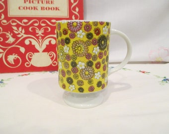 Vintage Holt Howard Pedestal Mug Yellow with Groovy Flowers