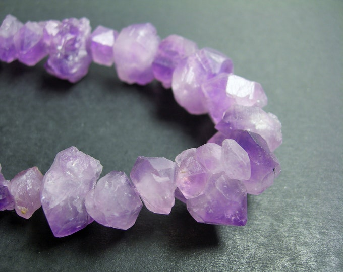 Amethyst raw points - middle drilled - 45 pcs mix size - full strand - raw flower amethyst point - PSC88