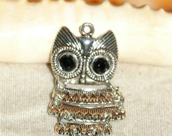 Articulated OWL pendant in Tibetan silver 40 X 20 mm eyes