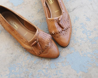 vintage 1980s Loafers - 80s Tan Leather Tassel Loafers Wingtip Spectator Shoes Kiltie Ballet Flats Sz 10 41