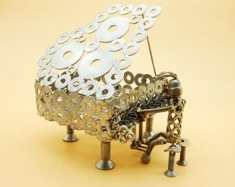 Pianiste de piano pianiste piano piano acier sculpture sculpture Art métal recyclage art du recyclage l'art du recyclage