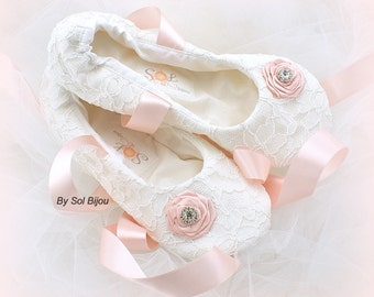 White and Pink Lace Wedding Ballet Flats Elegant Custom Bridal Ballet Slippers with Ribbon Ties and Pink Flowers