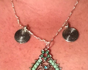 India inspired pendant necklace