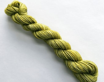 green tea / hand dyed yarn / mini skein / sock fingering yarn / merino wool superwash/sock mini /knitting embroidery / green yellow yarn