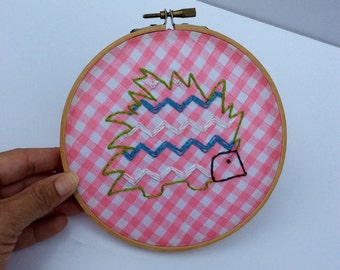 VTG Pink Checkered Embroidered Porcupine // Embroidery Hoop Art // Chevron // Pink Gingham