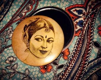 Pocket Mirror Illustred : Indian Dancer