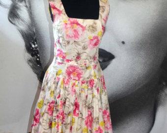 Vintage cotton sun dress floral 40's 50's war bride full skirt