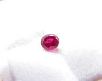 Natural Ruby---0.90 carat Facetted, Fine Quality