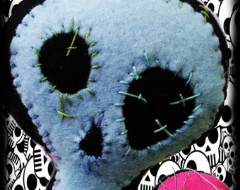 Implings VooDoo Skull PinCushion (Blue)