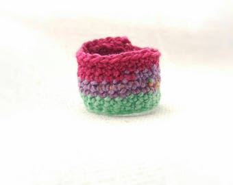 funky crochet casual ring. Fuchsia Purple Emerald. made of cotton. handmade antiallergic jewelry. lightweight and adaptable to finger
