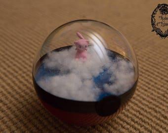 Pokeball Terrarium - Pokemon Mew - diameter 10cm
