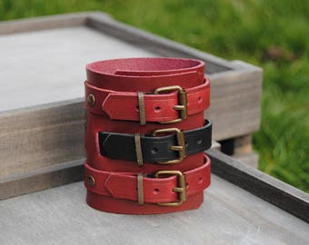Bracelet Burgundy and black leather three straps